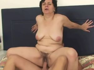 Mature hairy pussy sex